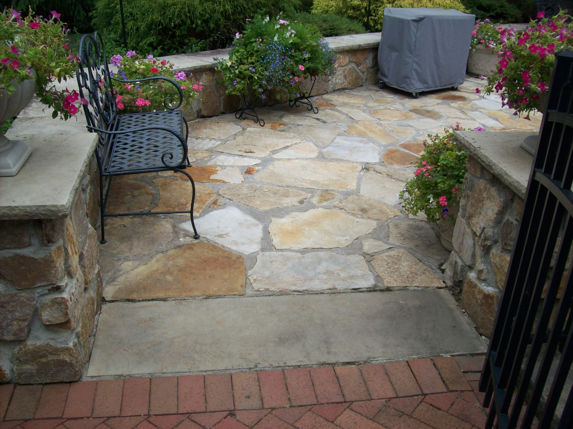 Sand Stone Patio with Sand Stone Wall